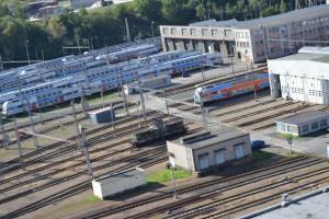 Вид из окна отеля на железнодорожное депо