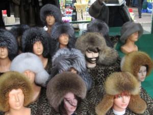 Вот такие лица Европы ждали нас на рынке в Риге.