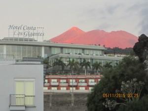 Вулкан Тейде в лучах вечерней зари.