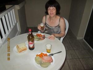 Хорошо, когда жена хорошо готовит.